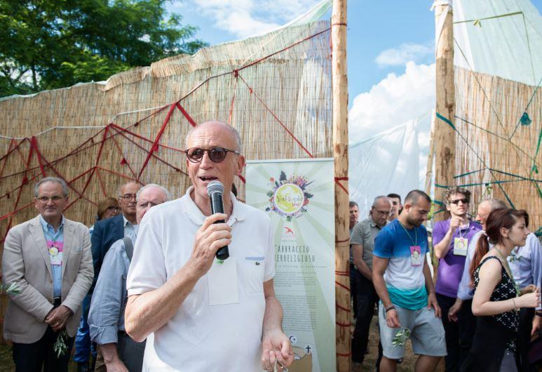 """YouTopic Fest. """"I muri dividono, l'abbraccio unisce"""". Rondine modello delle città future di tutto il mondo"""